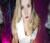 ASMR sexy d'une blonde parfaite